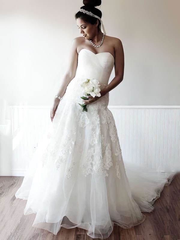 Sweetheart A-line Chapel Train Tulle Beading Wedding Dresses #DOB00021400