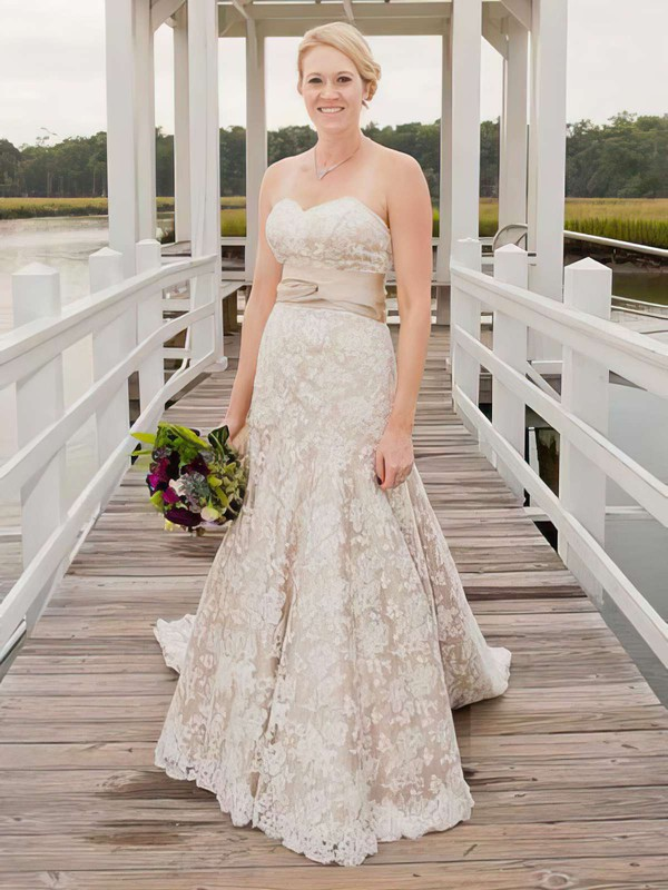 Sweetheart A-line Watteau Train Lace Appliques Lace Wedding Dresses #DOB00021403