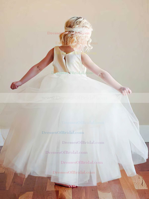 Simple Ball Gown Ruffles Scoop Neck Ivory Tulle Flower Girl Dress #DOB01031796