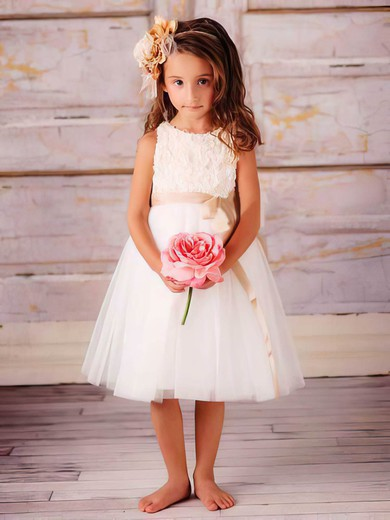 Scoop Neck A-line Tea-length Tulle Appliques Lace Flower Girl Dresses #DOB01031829