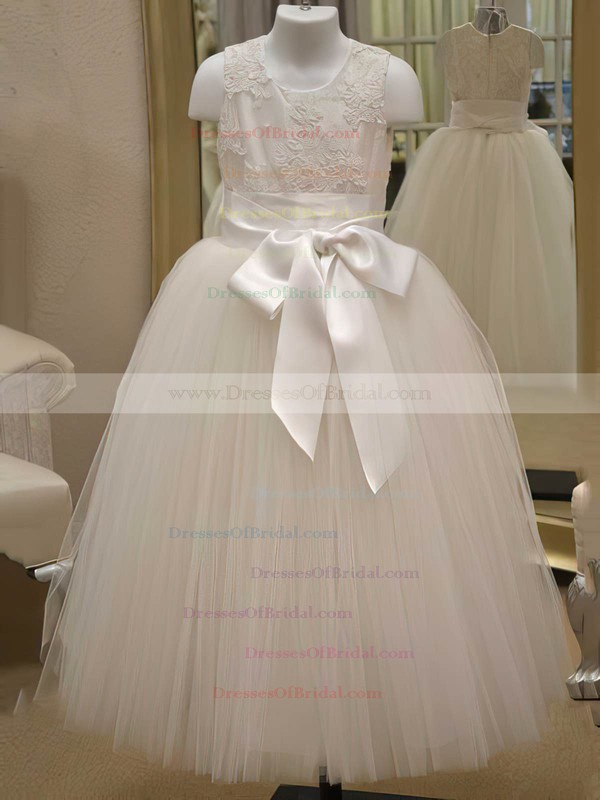 Ivory Tulle Appliques Lace Scoop Neck Floor-length Ball Gown Flower Girl Dress #DOB01031841