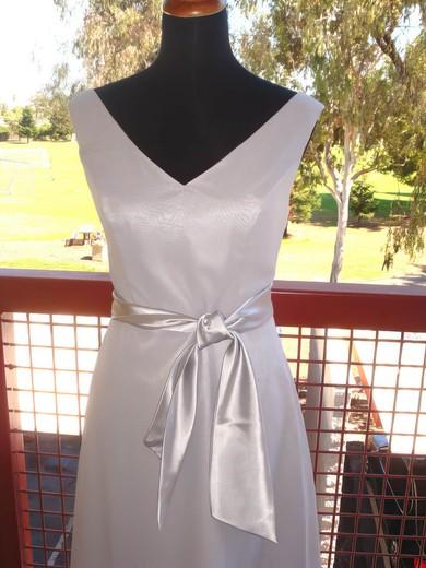 V-neck Sheath/Column Knee-length Chiffon Sashes/Ribbons Bridesmaid Dresses #DOB01012193