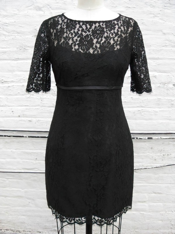 Sheath/Column Scoop Neck Designer Short Sleeve Black Lace Mother of the Bride Dress #DOB01021318