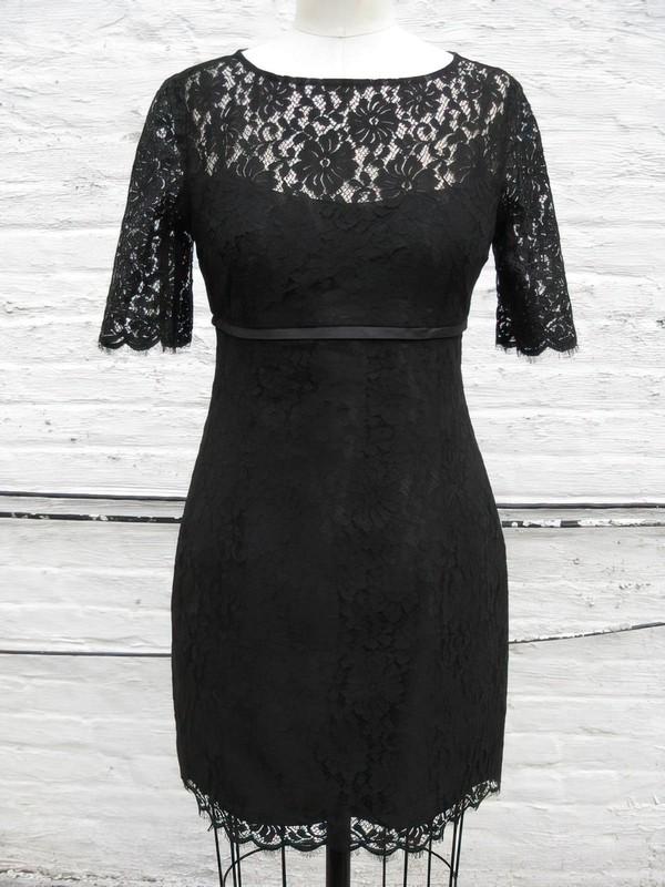Sheath/Column Scoop Neck Designer Short Sleeve Black Lace Mother of the Bride Dress #DOB01021318