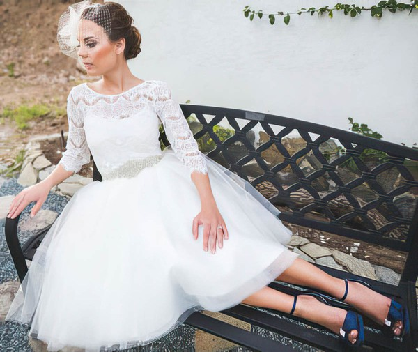Scoop Neck A-line Knee-length Lace Tulle Sashes/Ribbons Wedding Dresses #DOB00021437