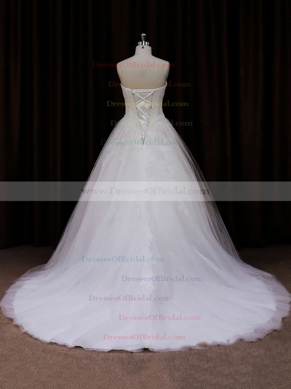 Court Train Ivory Tulle Appliques Lace Sweetheart Vintage Wedding Dresses #DOB00021639