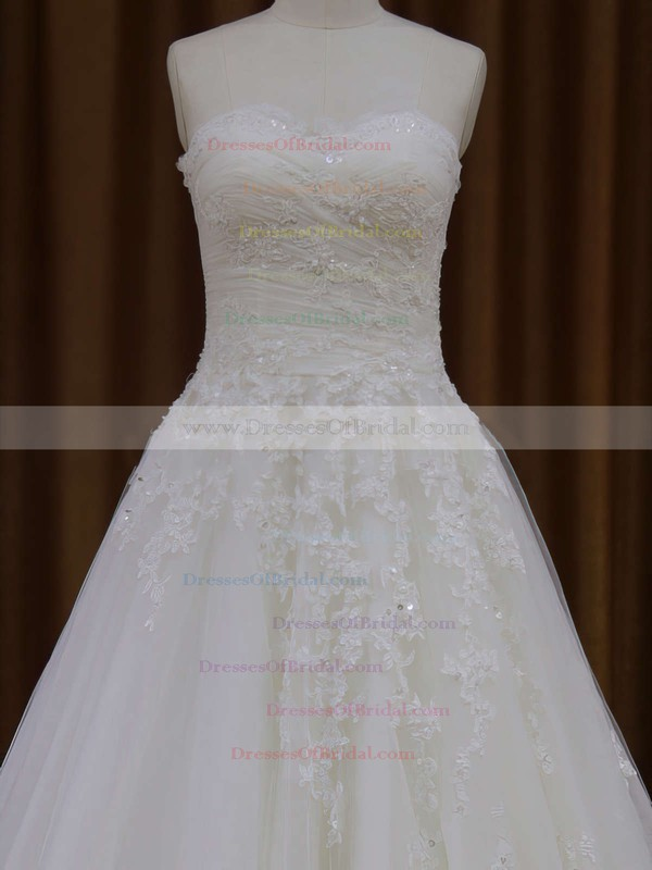 Sweetheart Tulle Appliques Lace Ivory Court Train Discount Wedding Dresses #DOB00021829