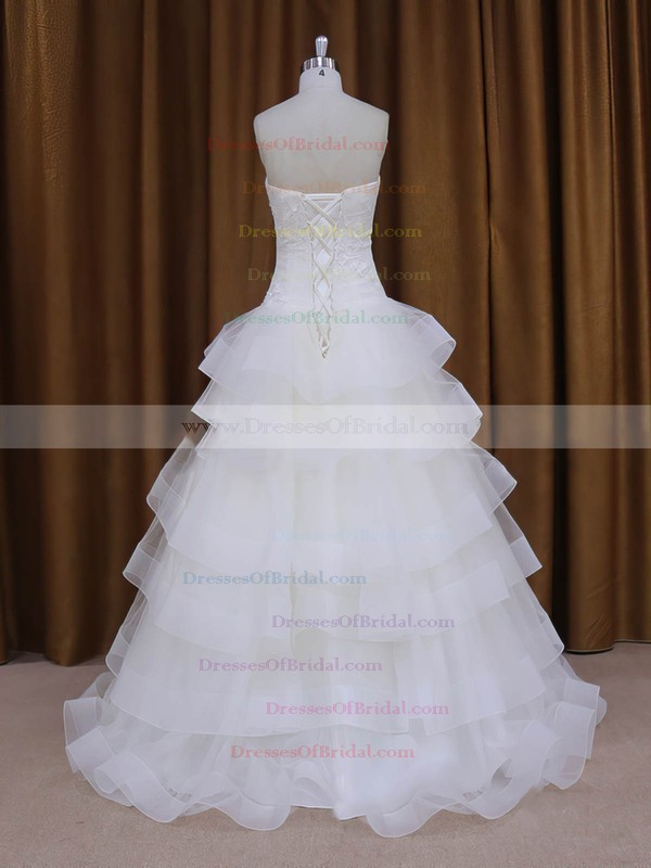 Best Floor-length Appliques Lace Sweetheart White Tulle Wedding Dress #DOB00021980