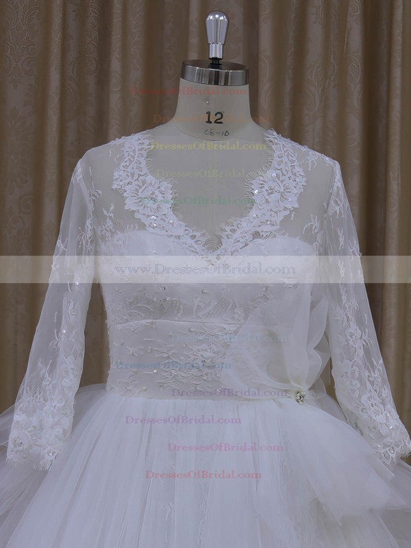 V-neck Tulle Appliques Lace Long Sleeve Ball Gown Ivory Wedding Dress #DOB00021982
