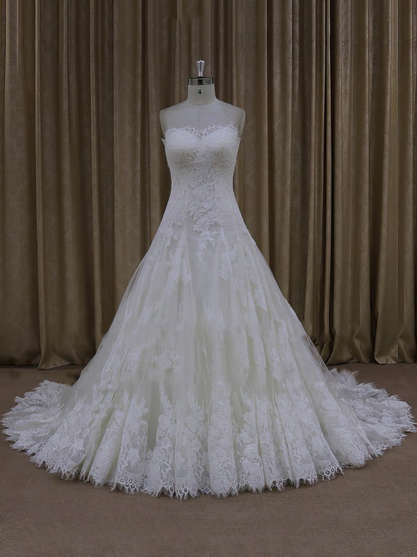 Ivory Tulle A-line Sweetheart Appliques Lace Modest Wedding Dress #DOB00022000