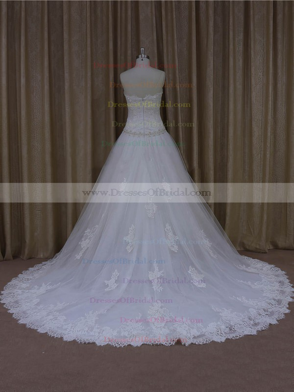 Vintage Sweetheart Tulle Appliques Lace Court Train White Wedding Dresses #DOB00022001