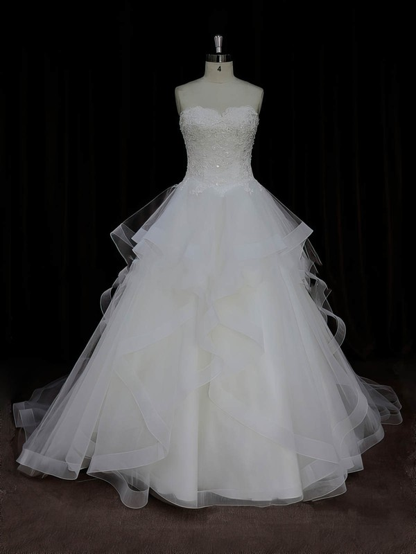 Discount Ivory Tulle Sweetheart Appliques Lace Ball Gown Wedding Dresses #DOB00022005