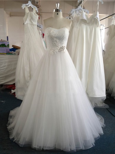 Sweetheart Tulle Court Train Appliques Lace White Original Wedding Dress #DOB00022020