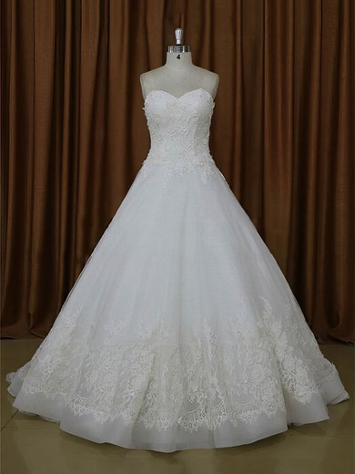 Gorgeous Tulle Appliques Lace Ivory Sweetheart Chapel Train Wedding Dresses #DOB00022021