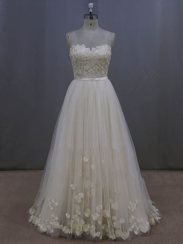 Sweep Train Elegant Lace-up Tulle Appliques Lace Ivory Wedding Dresses #DOB00022044