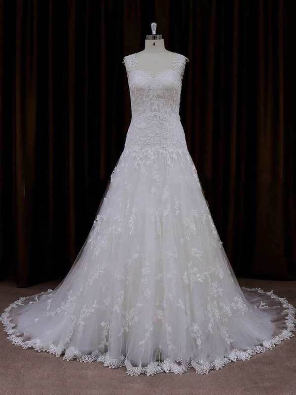Gorgeous Ivory Court Train Tulle Appliques Lace Sweetheart Wedding Dresses #DOB00022057
