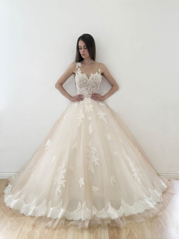 Affordable Sweetheart Tulle with Appliques Lace Court Train Ball Gown Wedding Dresses #DOB00022773