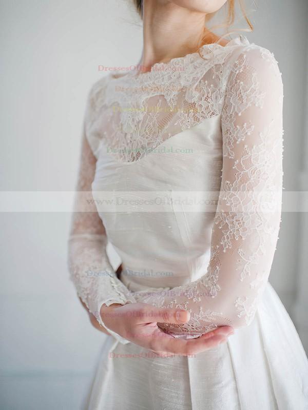 Short/Mini A-line Scoop Neck Lace Satin Appliques Lace Long Sleeve Modern Wedding Dresses #DOB00022827