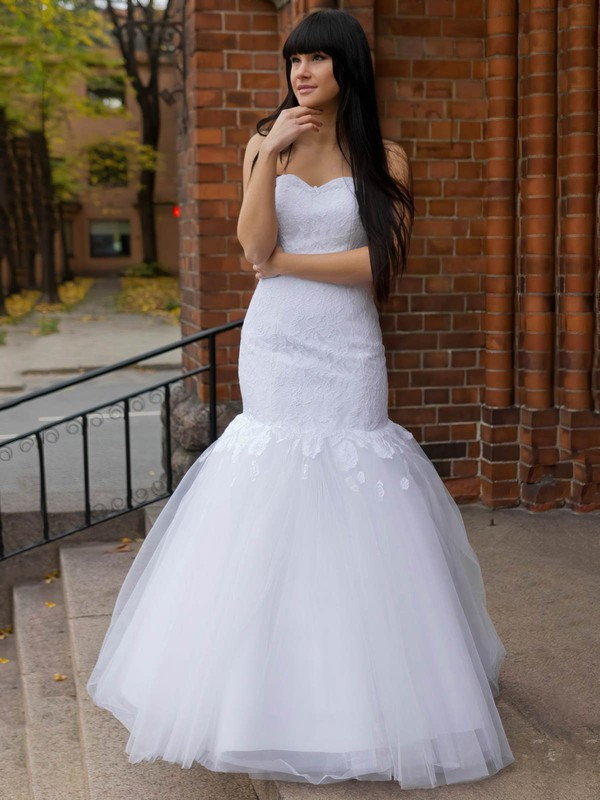 Elegant Sweetheart Tulle Appliques Lace Floor-length Trumpet/Mermaid Wedding Dresses #DOB00022831