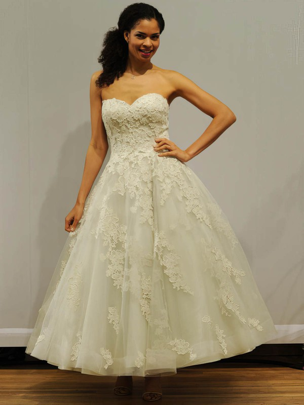 Classic Ball Gown Sweetheart Tulle with Appliques Lace Ankle-length Wedding Dresses #DOB00022838