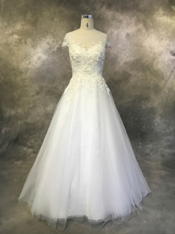 Tulle Ball Gown Scoop Neck Court Train with Appliques Lace Wedding Dresses #DOB00022930