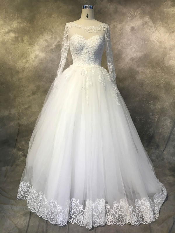 Tulle Ball Gown Scoop Neck Chapel Train with Sequins Wedding Dresses #DOB00022942