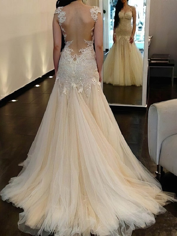 Tulle Trumpet/Mermaid Scoop Neck Sweep Train with Sequins Wedding Dresses #DOB00023018