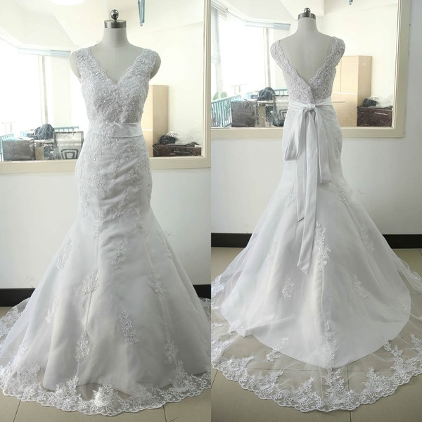 Tulle Trumpet/Mermaid V-neck Sweep Train with Appliques Lace Wedding Dresses #DOB00023023