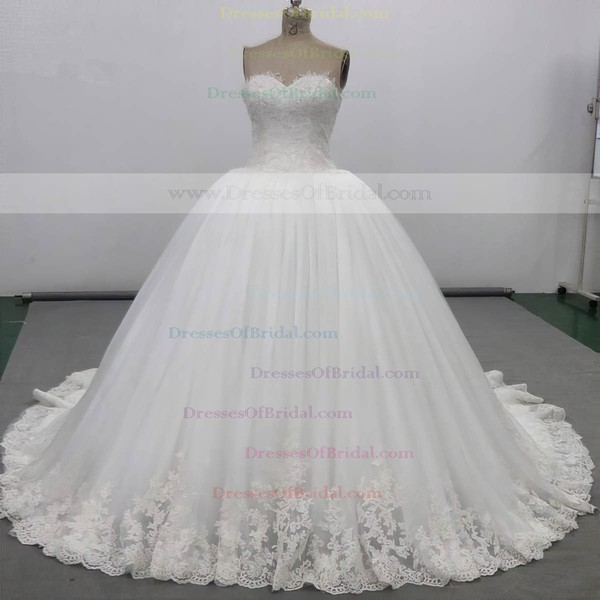 Tulle Ball Gown Sweetheart Chapel Train with Appliques Lace Wedding Dresses #DOB00023034