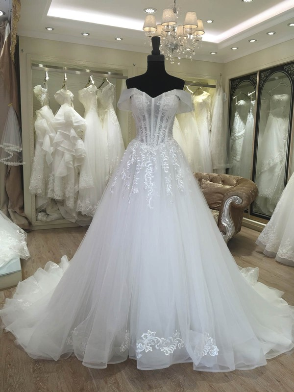 Tulle Ball Gown Off-the-shoulder Sweep Train with Appliques Lace Wedding Dresses #DOB00023080
