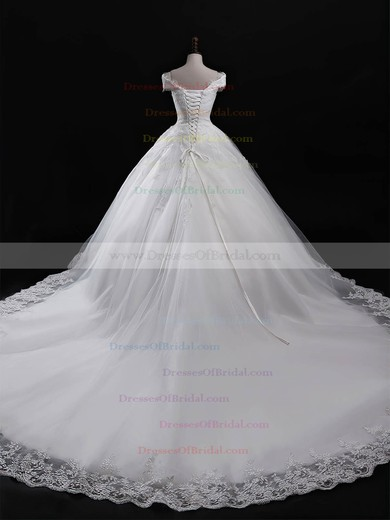 Tulle Ball Gown V-neck Chapel Train Appliques Lace Wedding Dresses #DOB00023321
