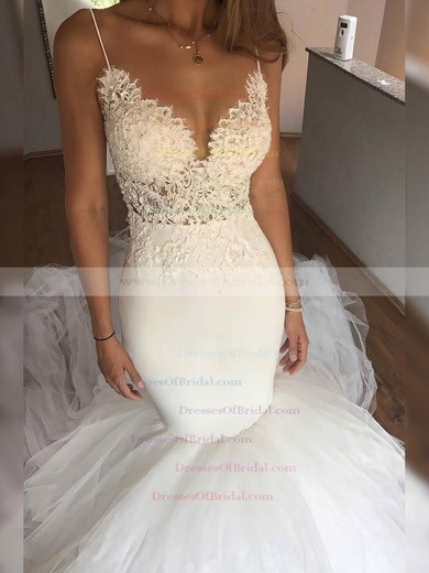 Tulle Trumpet/Mermaid V-neck Chapel Train Appliques Lace Wedding Dresses #DOB00023331