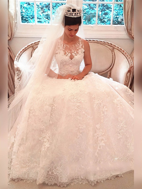 Lace Ball Gown Scoop Neck Court Train Appliques Lace Wedding Dresses #DOB00023341