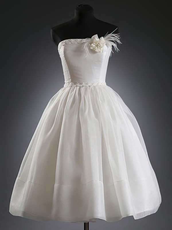 Strapless Ball Gown Knee-length Organza Flower(s) Wedding Dresses #DOB00020624